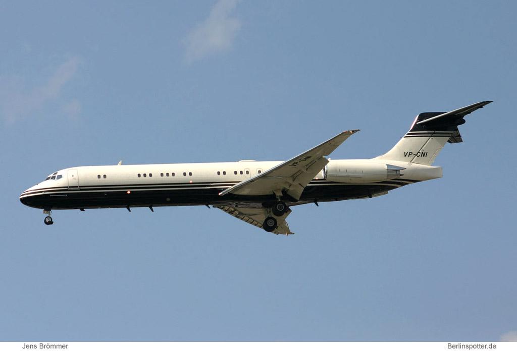 donald trump buys 757 jet from paul allen
